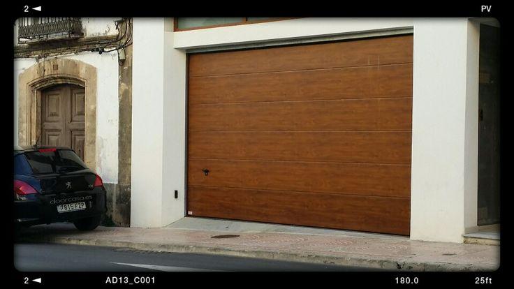Puerta garaje automática seccional novoferm modelo roble oro