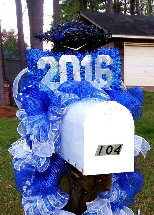 Graduation Mailbox swag, graduation 2016 Decoration, Team spirit wreath, school wreath, mailbox swag