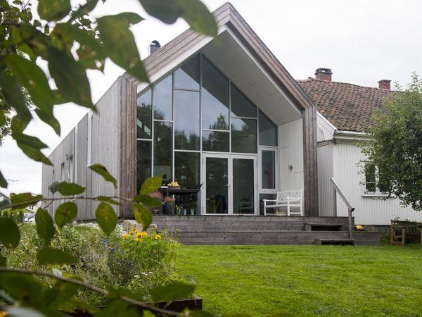Martin Lersch (40) og familien flyttet inn i det gamle huset fra 1860 og fikk realisert et spektakulært tilbygg.