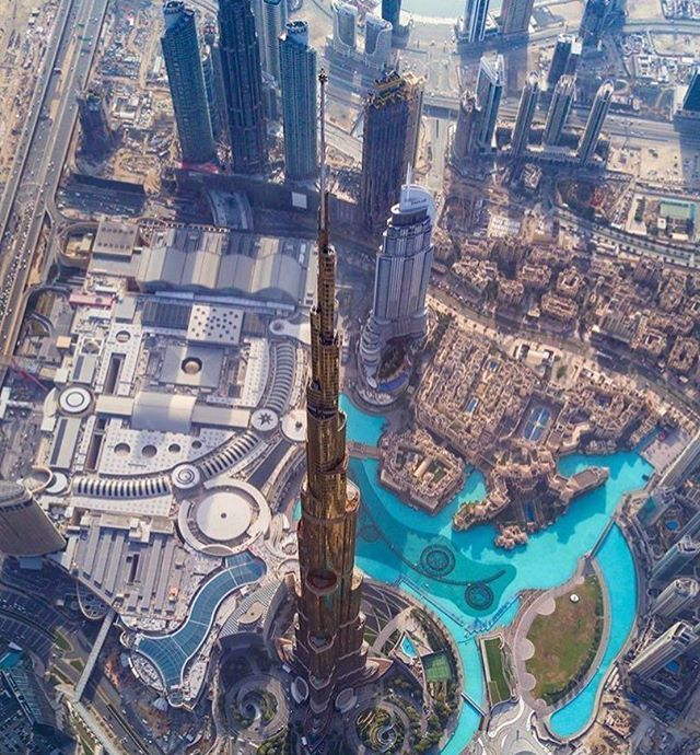 People Are Going To Crazy Over This Do You Like It As Well Yes Or No And Tag A Friend Follow Luxurytravelrepeat Dou With Images Dubai City Visit Dubai Burj Khalifa