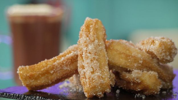 Churros with hot chocolate | Tasty naughtilicious nom noms | Pinterest