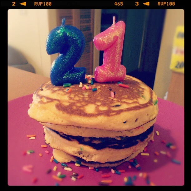 For one of my good friends 21st birthday we made Bettycrocker Cake Batter Pancakes! Minus the glaze topping... They turned out great!    Heres the recipe: http://www.bettycrocker.com/recipes/cake-batter-pancakes/b2b774ef-e2b8-45b5-86aa-5c8387009934: Cake Batter Pancakes, Recipe, Bettycrock Cakes, 21St Birthday, Cakes Batter Pancakes