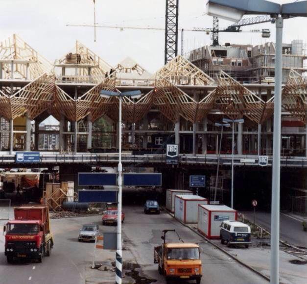 Bouw van de kubuswoningen 1983