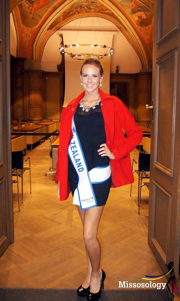 Avianca sponsored by Aqua jewels on her representation in Germany as Miss intercontinental NZ 2012