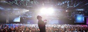 10 απίστευτα μαθήματα ζωής που μπορείς να πάρεις από τον Tony Robbins