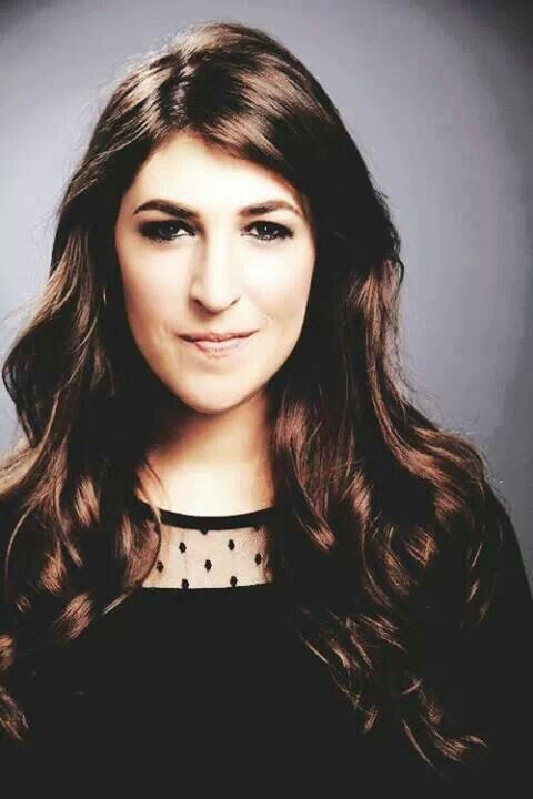 Mayim Bialik Mayim Chaya Bialik ( born December 12, 1975) is an American actress , she played the title character of NBC's Blossom. and  Since 2010, she has played Dr. Amy Farrah Fowler The Big Bang Theory,