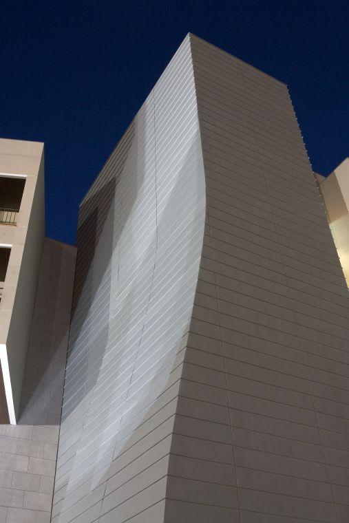 Hotel and Casino, Chaves (Portugal) by Arquitecto Rui Lacerda  #hotel #casino #zinc #italie #italia #italy #architecture #quartz-zinc