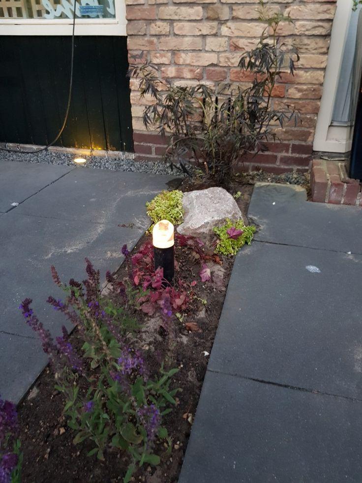 Verlichting om de tuin bij dag een nacht te kunnen bewonderen er meer sfeer te brengen  in de tuin In-lite verlichting