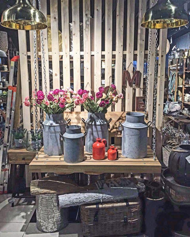 Признавайтесь, как ваши дачные выходные? Урожай, наверно, привезли. А вазы для цветов не оказалось? И для фруктов ничего подходящего не нашлось? Загляните в прекрасный магазин Naf-Naf House, где столько нужного и красивого для вашего дома! МЦ «Мебель Park», 2 этаж, корпус А, С7 #мебель #мебельпарк #mebelpark #тцмебельпарк #румянцево #дизайн #нафнаф #nafnafhouse #design #summertime