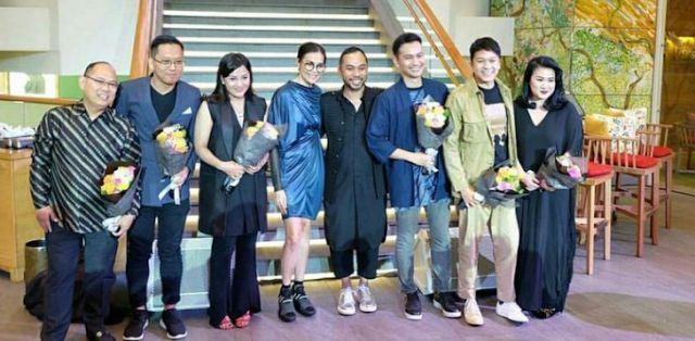 Berita Gaya Hidup : Download Film Bioskop - Mencari Style Baju Pria Te...
