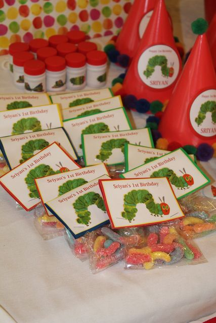 Favors at a Very Hungry Caterpillar Party #veryhungrycaterpillar #partyfavors