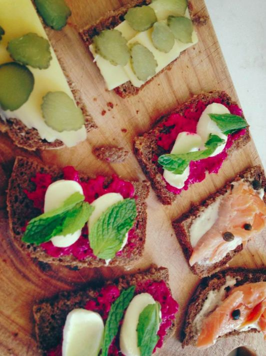 Rye bread with beetroot relish, bocconcini and mint / cheese and gherkin