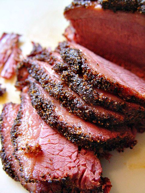 Pressure Cooker Pastrami Recipe INGREDIENTS: 3 – 4 lb. (1360 – 1815 grams) corned beef 2 cups cold water Vegetable oil 3 tbs. coarsely ground pepper 2 tbs. ground coriander 1 tbs. coarse kosher salt 1 tbs. garlic powder 1 tbs. onion powder 1 tbs. dark brown sugar 2 tsp. paprika ¼ tsp. ground allspice ¼ tsp. ground cloves