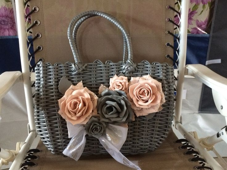 Borsa in plastica dura con rose in fommy