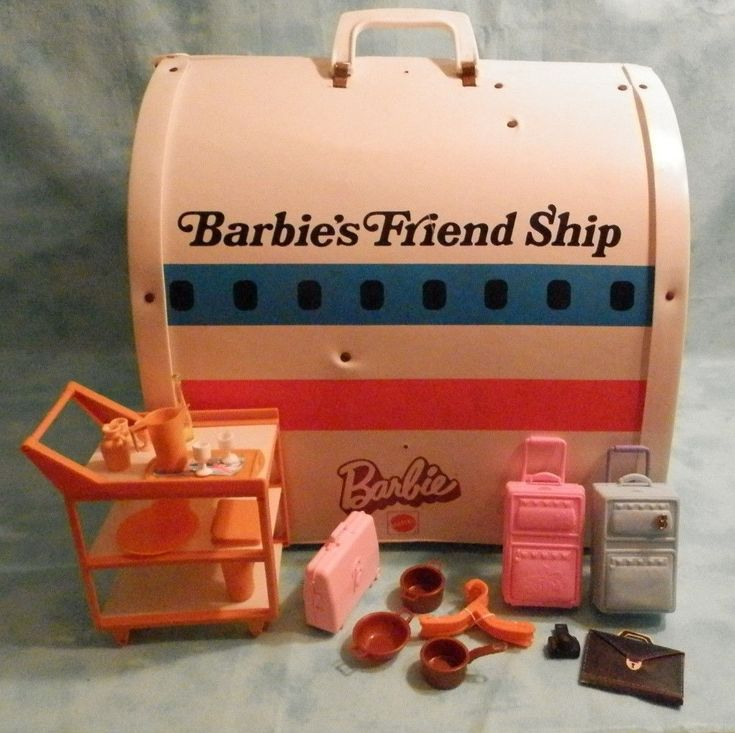 1970s toy Barbies Friendship United Airlines airplane play carry case W/ Acc.