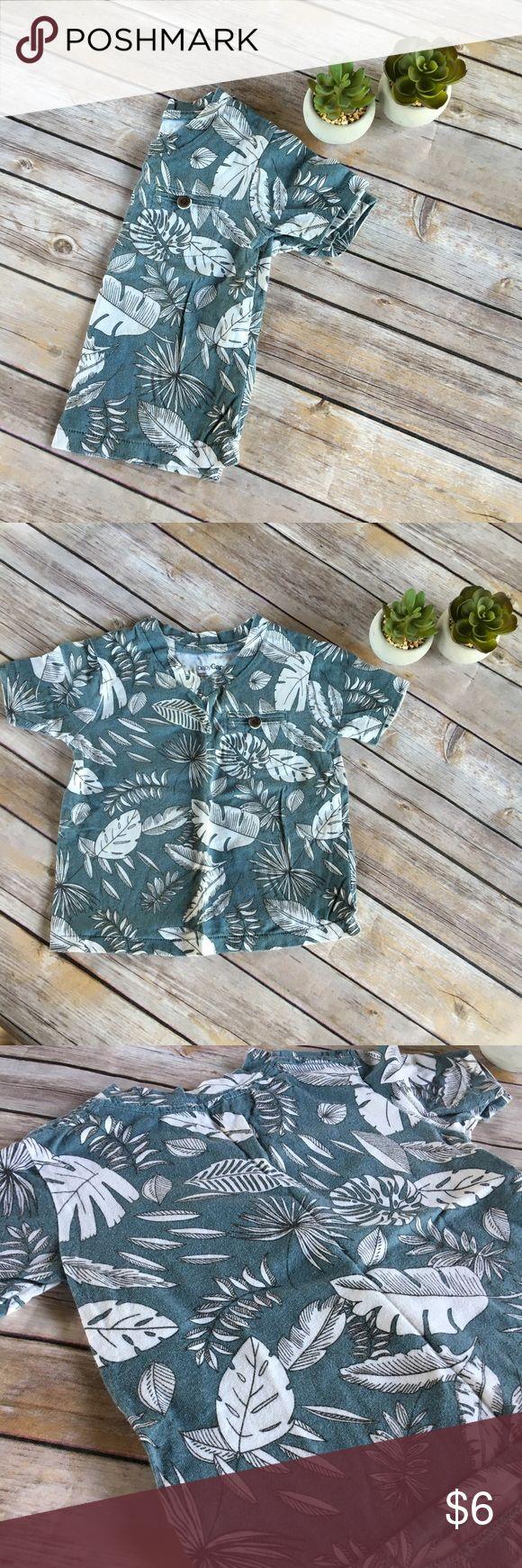 Gap tshirt Real tropical print t-shirt. EUC. No rips, holes, or stains. From a smoke free, pet-friendly home. GAP Shirts & Tops Tees - Short Sleeve