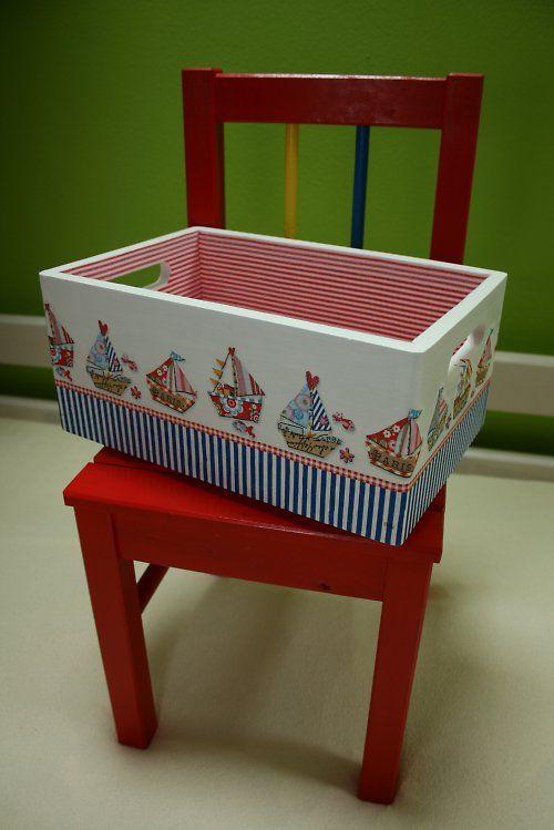 Marinha vermelho caixa