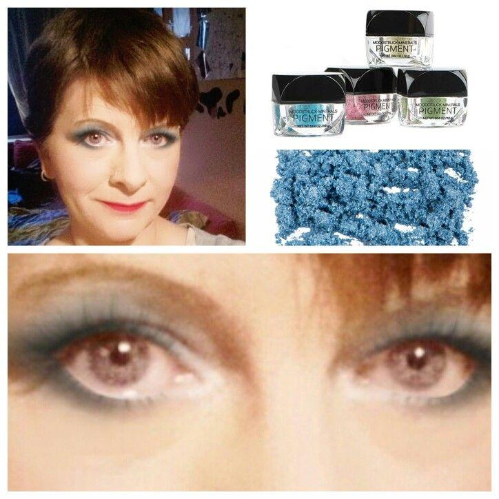 Unsere Pigment Lidschatten sind einfach der Hammer  Trocken oder feucht anzuwenden, etwas von den Pigmenten ins Klarlack geben , für super Fingernägel oder mit etwas Wasser mischen um bunte Strähnen ins Haar zu zaubern genial  #younique #beauty #3dmascara #beautyeyelashes #youniqueute #eyes #MAKEUP #wimpernverlängerung #studio #love # valentinstag #Eyes4U #germany  www.beautyful-eyelashes.de