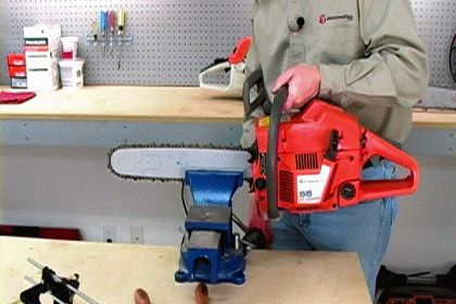 Mount the Saw in a Vise