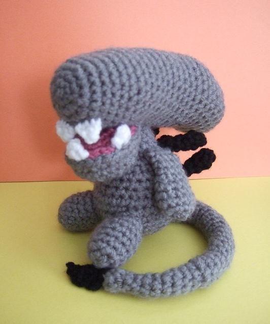 Amigurumi Geek Patterns : Crochet alien xenomorph by cutigurumis viantart on