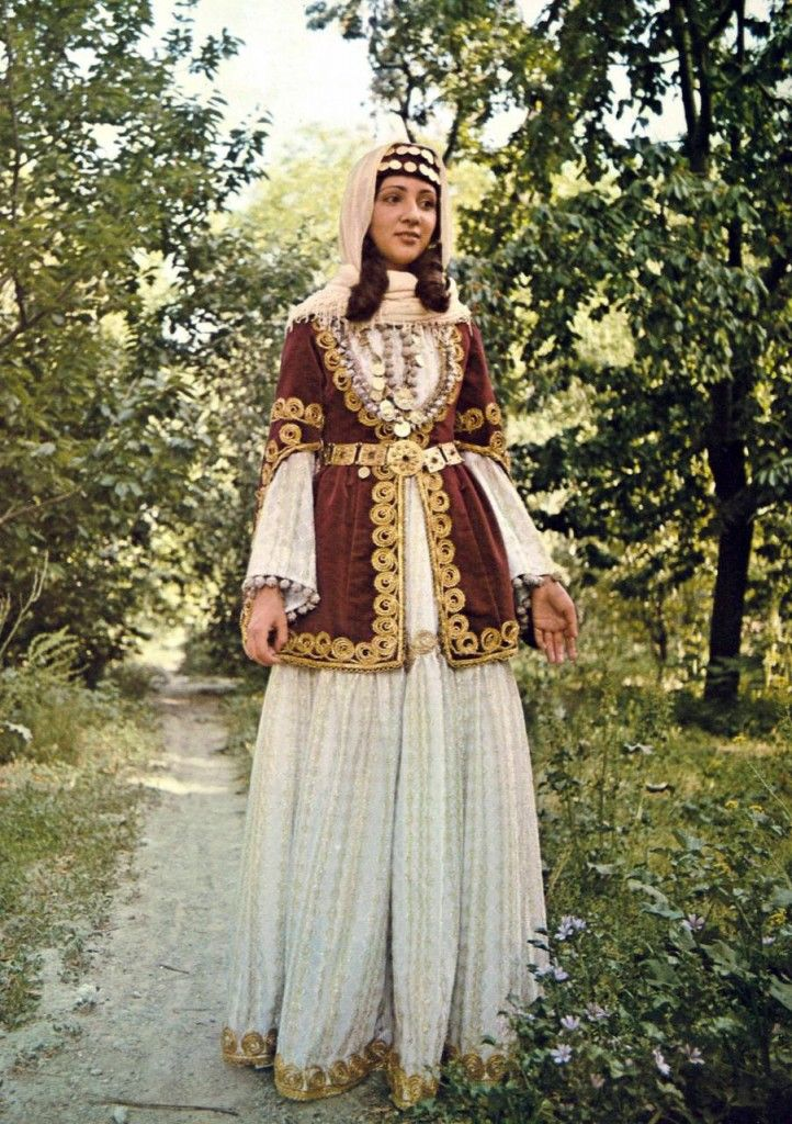 Traditional costume in the world | Bridal dress from Armenian Shamakh, 19th century