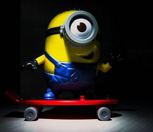 Minions skateboard!