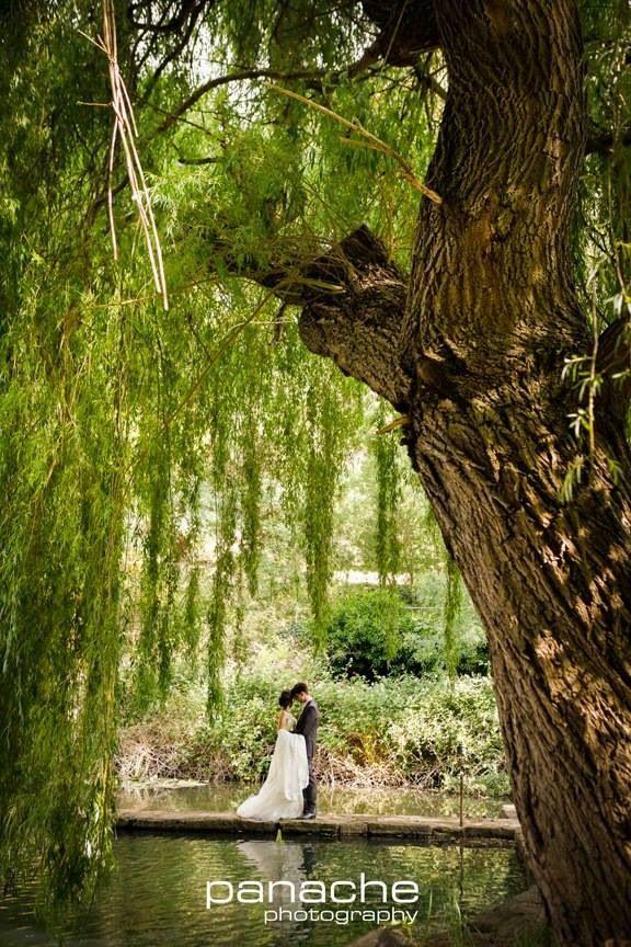 Glen Ewin Estate Adelaide Australia - wedding vintage rustic lake