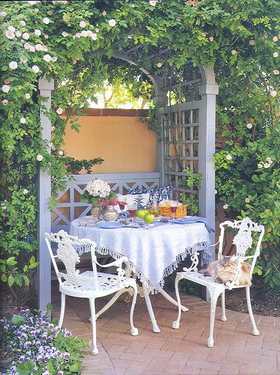 Captivating Harlow Gardens Helped Design For Linda Ronstadt