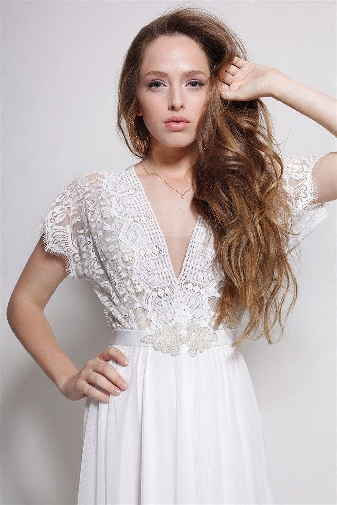 10 Handmade Wedding Dresses UNDER $700 | http://emmalinebride.com/bride/handmade-wedding-dresses/