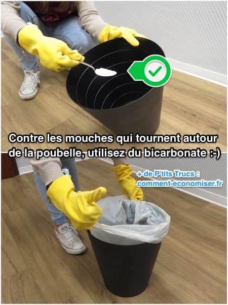 Et voilà, fini les mouches qui tournent autour de la poubelle dans la cuisine :-)  Découvrez l'astuce ici : http://www.comment-economiser.fr/astuce-contre-les-mouches-dans-poubelle.html