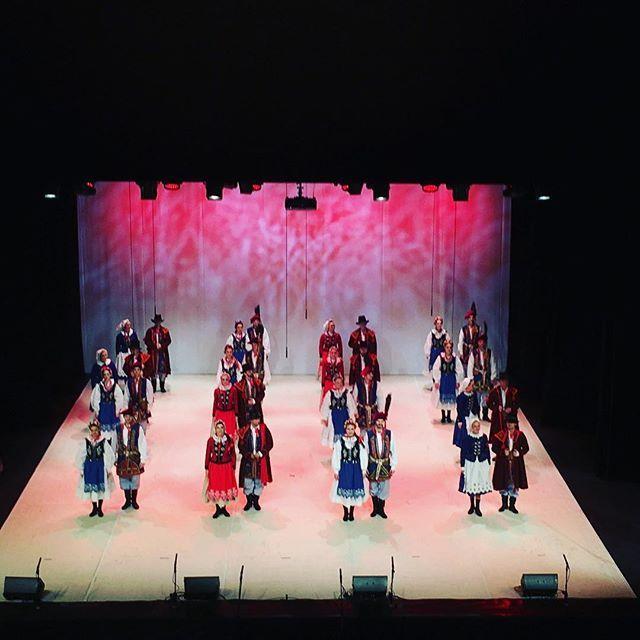Teraz: Zespół Pieśni i Tańca NOWA HUTA jubileusz 65-lecia!  #encek #kulturaKRK #zpitnowahuta #krakowskakultura #scenaNCK #nowahuta #koncert #jubileusz #taniec #śpiew #folklor #tradycja #stage #culture #tradition #folklore