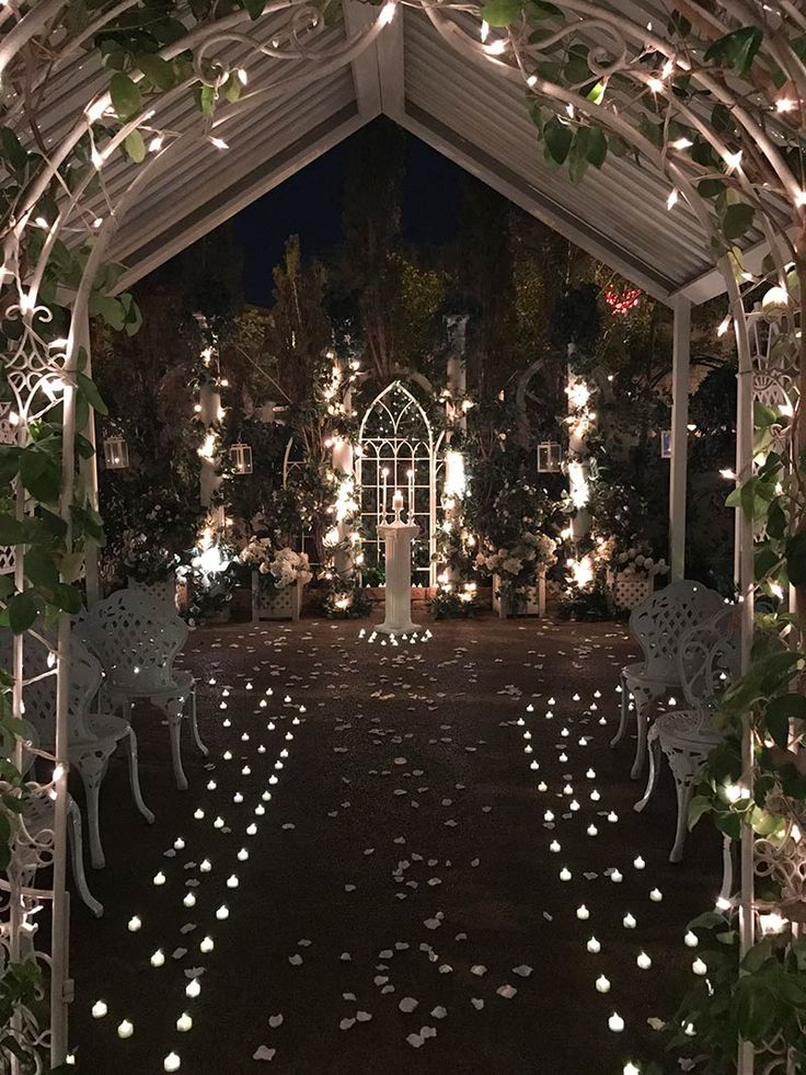 Viva Las Vegas Weddings Chapels - Twilight Garden Wedding Package