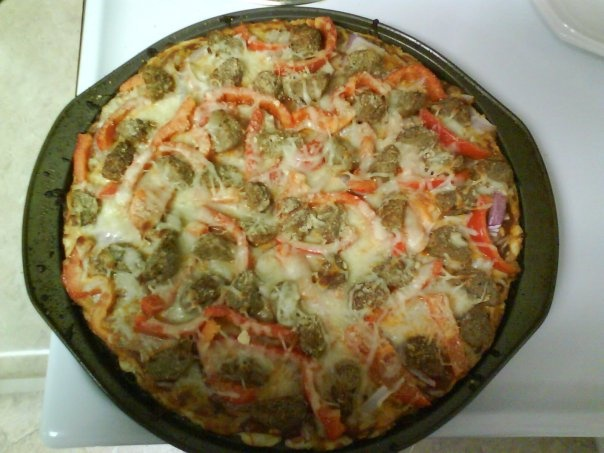 Meatball Pizza: meatballs, tomato, red peppers, red onion