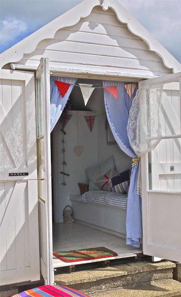 45 best waltons summerhouses images on pinterest summer for Beach hut decor