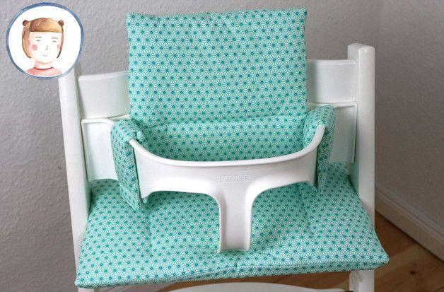 Dieses tolle Sitzkissen macht den Tripp Trapp (Stokke) Hochstuhl noch bequemer für die Kleinen und ist ein wunderschöner Sitzverkleinerer! Das Kissen ist aus beschichtetem Baumwollstoff...