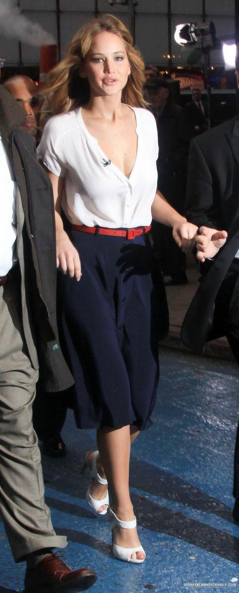 We love this midi skirt! Find it (or something similar) at Snap Fashion (snapfashion.co.uk)! App: bit.ly/1213lic