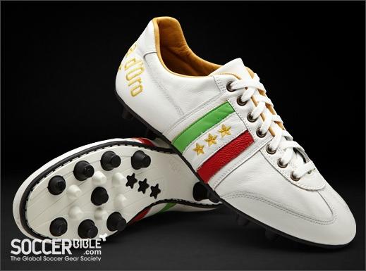 Pantofola d'Oro Piceno Vitello Italia Football Boots - White/Tan/Italia - http://www.soccerbible.com/news/football-boots/archive/2011/11/09/pantofola-d-oro-piceno-vitello-italia-white-tan-italia.aspx
