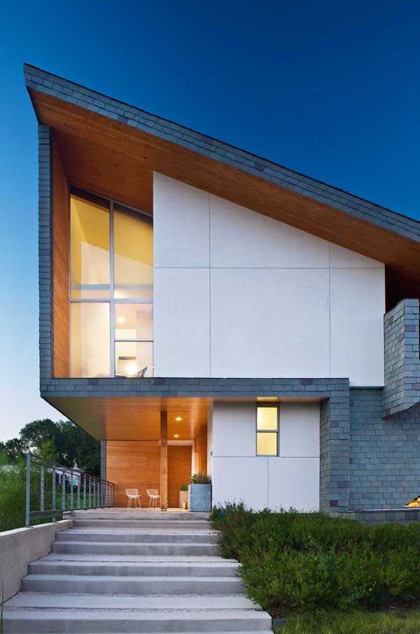 sustainable home within an urban reserve  by Vincent Snyder Architects