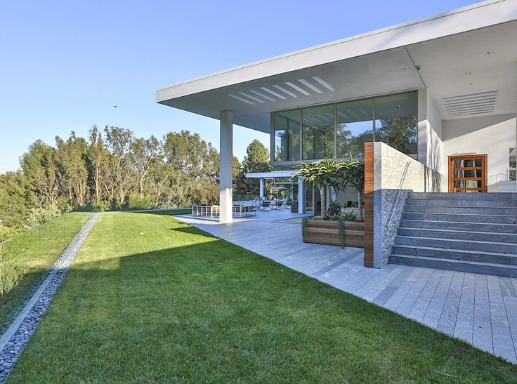 Inside Beyonce and Jay Z's New Los Angeles Home - Celebrity Real Estate News