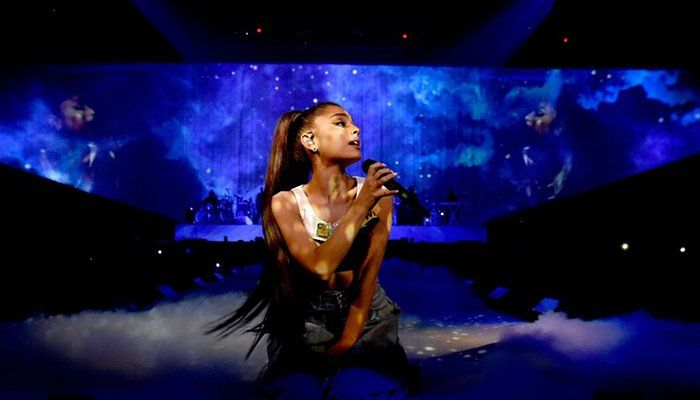 Urging love, Ariana Grande plans show for Manchester attack victims | Entertainment - https://www.pakistantalkshow.com/urging-love-ariana-grande-plans-show-for-manchester-attack-victims-entertainment/ - https://www.geo.tv/assets/uploads/updates/2017-05-27/143485_8865143_updates.jpg
