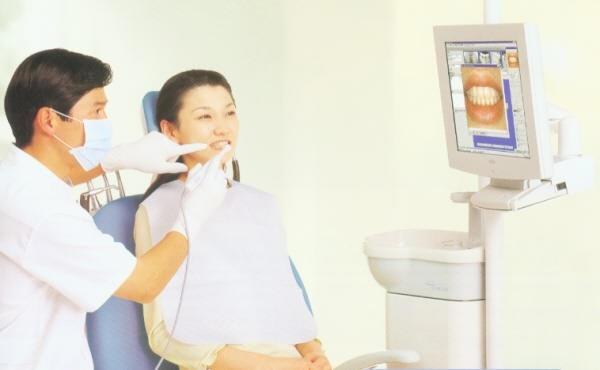 Nasza klinika chcąc zachować wysoki profesjonalizm już podczas wizyt kontrolnych, stosuje kamery wewnątrzustne w celu zapoznania pacjentów z ich uzębieniem. Więcej informacji na naszej stronie: http://www.martomedica.pl/radiologia