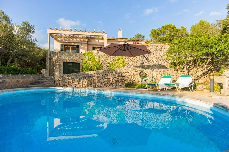 16----House in Puigpunyent, Spain. For rent 5 double rooms of 10-12 sqm each and 3 complete toilet in a fantastic Cottage in the 'virgin and untouched' village of Galilea, Mallorca. In the middle of Serra De Tramuntana protected by UNESCO. Rooms are twin and exterior to our fabulou...
