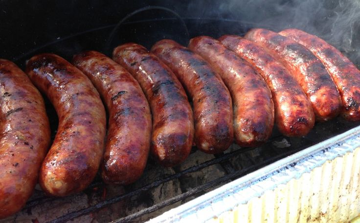 How to Grill Italian Sausage, Onions and Peppers There's just no better football food than some Italian Sausages with peppers and onions. You can cook it all right on the grill… so it makes this recipe perfect for a tailgate. This grilled Italian Sausage recipe is easy. You can prep all your peppers and onions …