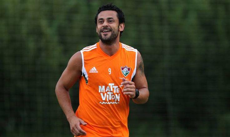 Dátoloseria envolvido na troca por Fred a pedido deLevir Culpi, que trabalhou com o jogador no Atlético-MG. O meia estrangeiro, que tem contrato
