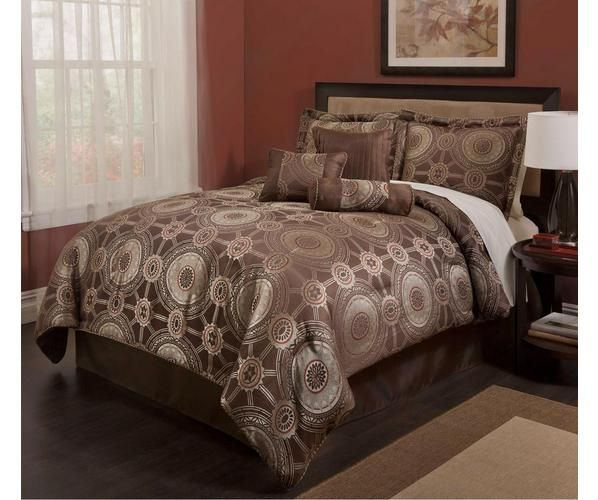 The Princeton set is inspired by trends from around the world. The beautiful set glistens with elegant style. Embellished in beige, grey and accented with brick red to appeal to your urbane senses, this set was designed to enhance your bedroom's distinguished décor.