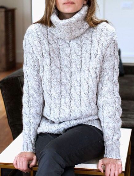 A turtleneck sweater is a most for cold weather. If it is a cable knit, it is even better! Thick Sweaters, Cozy Sweaters, Cable Knit Sweaters, Winter Wear, Autumn Winter Fashion, Vetement Fashion, Inspiration Mode, Mode Style, Look Fashion