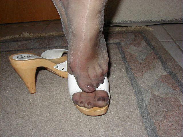 Covered feet stocking nylon
