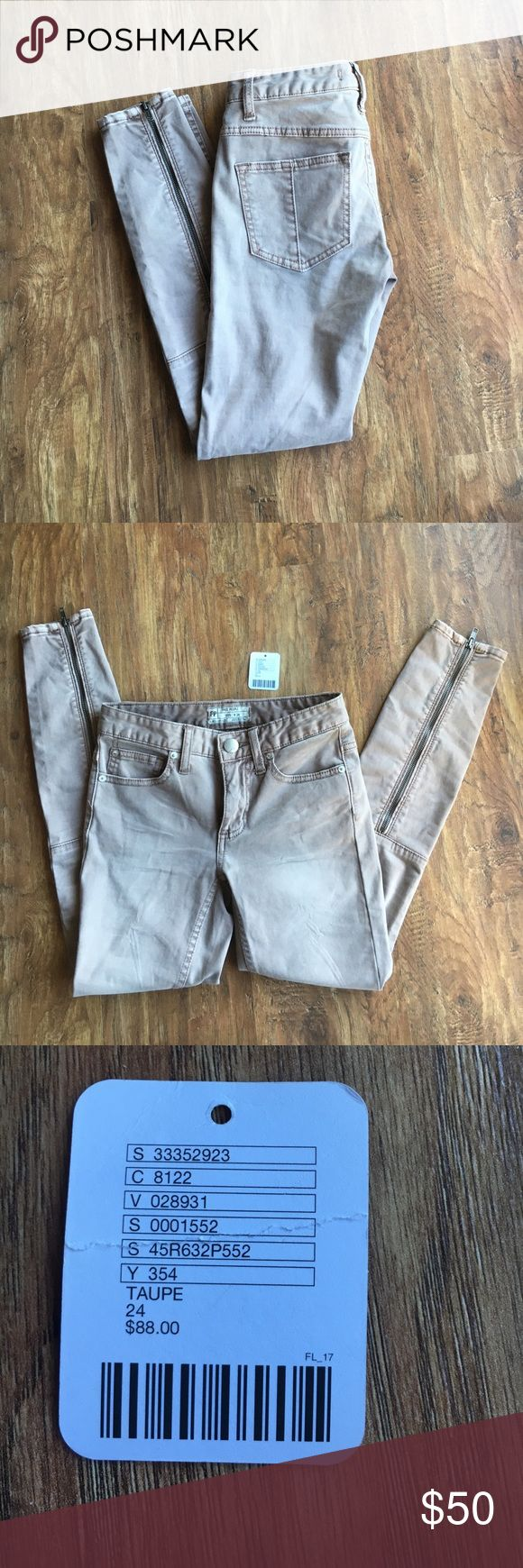 NWOT Free People khaki jeans Brand new, never worn, tag removed but I have it. Size 24. Zippered legs that are so cute. Perfect NEW condition Free People Jeans Skinny