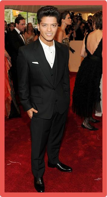 Bruno Mars Body Statistics Measurements Bruno Mars Net Worth #BrunoMarsNetWorth #BrunoMars #celebritypost