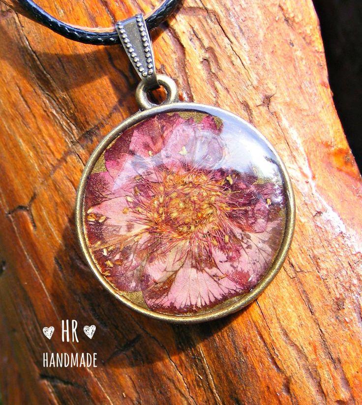 Lila virág medál